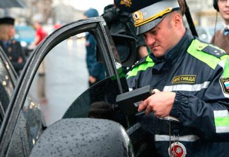Около 4 тыс. машин с тонировкой задержали в Москве.