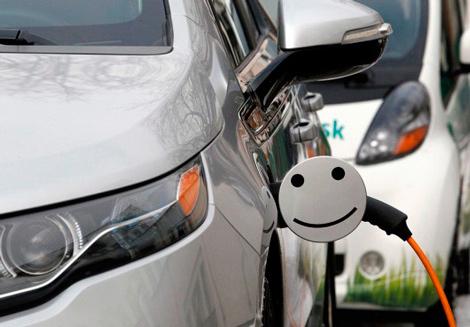 В Киеве открыта первая «заправка» для электромобилей.