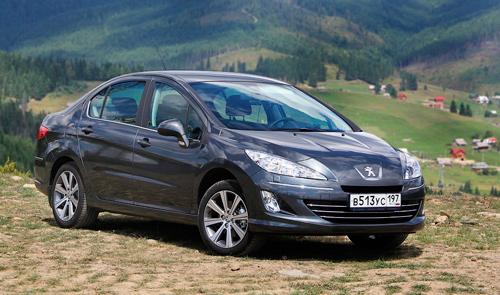 В России стартовали продажи дизельного Peugeot 408.