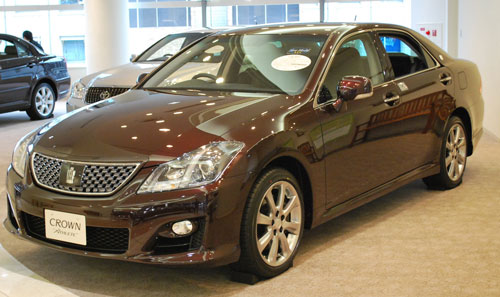 Toyota Crown 2013
