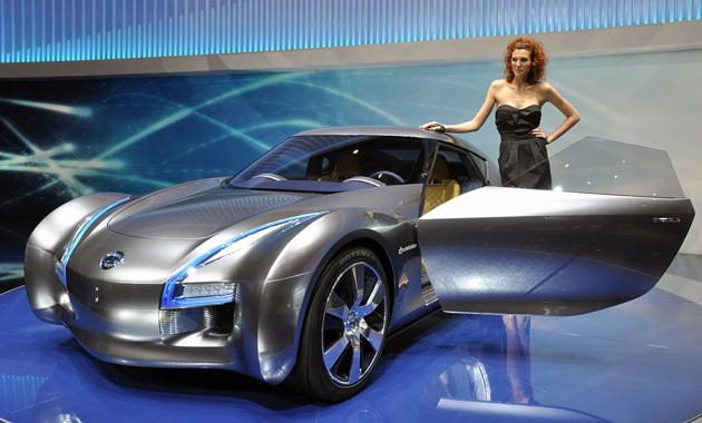 Nissan осенью покажет новый компактный спорткар