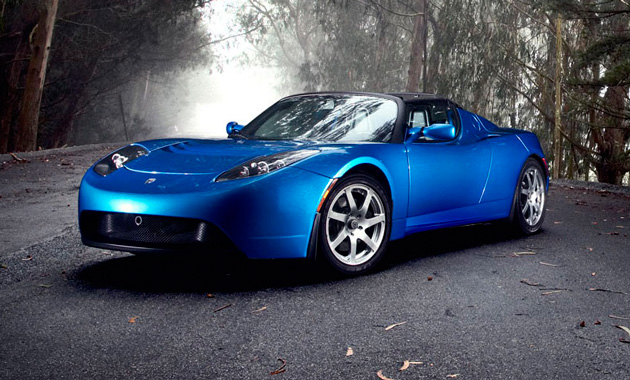 Tesla набирает обороты и готовит электропикап