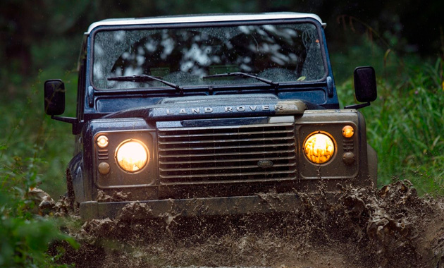 Land Rover Defender Secret Edition не боится грязи