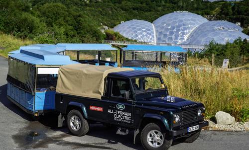 Land Rover Defender стал райским электровозом.