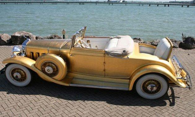 В Англии на аукционе будет продан золотой Cadillac