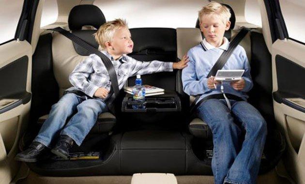 7 самых безопасных автомобилей для перевозки детей 2013 года