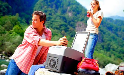 Незаменимая вещь в автомобиле — автохолодильник Waeco