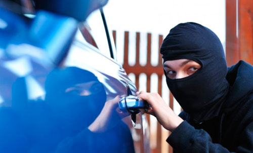 Как открыть отечественную машину ВАЗ 2110-2112 без ключей?